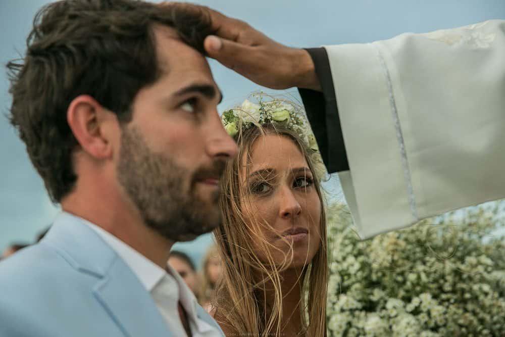 Camila-e-Lucca-Casamento-na-praia-Cerimônia-Fernando-de-Noronha-Marcela-Montenegro-CaseMe-Revista-de-casamentoCB025912