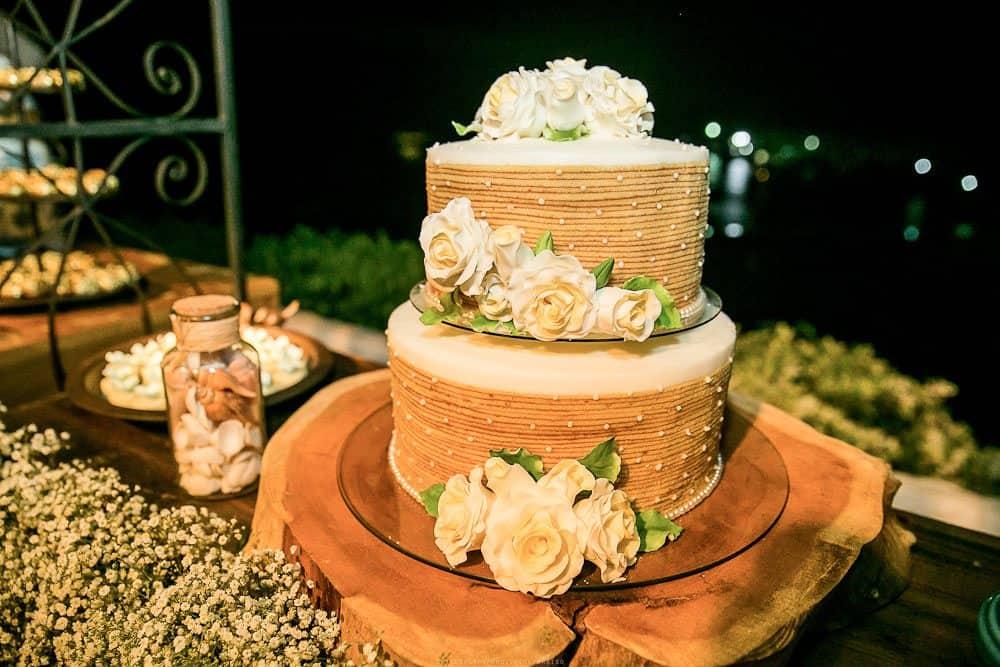 Camila-e-Lucca-Casamento-na-praia-Decor-festa-Decoração-Fernando-de-Noronha-Marcela-Montenegro-CaseMe-Revista-de-casamentoCB026182