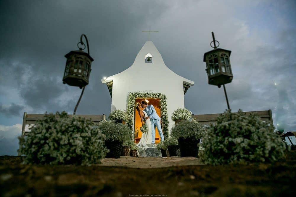 Camila-e-Lucca-Casamento-na-praia-Ensaio-de-casal-Fernando-de-Noronha-Marcela-Montenegro-CaseMe-Revista-de-casamentoCB026156