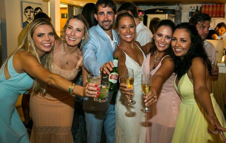 Camila-e-Lucca-Casamento-na-praia-Fernando-de-Noronha-Festa-Marcela-Montenegro-CaseMe-Revista-de-casamentoCB026378-750x475