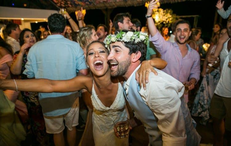 Camila-e-Lucca-Casamento-na-praia-Fernando-de-Noronha-Festa-Marcela-Montenegro-CaseMe-Revista-de-casamentoCB026874-750x475