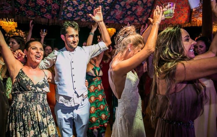 Camila-e-Lucca-Casamento-na-praia-Fernando-de-Noronha-Festa-Marcela-Montenegro-CaseMe-Revista-de-casamentoCB026995-750x475