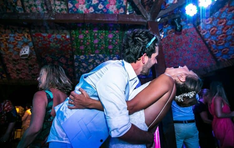 Camila-e-Lucca-Casamento-na-praia-Fernando-de-Noronha-Festa-Marcela-Montenegro-CaseMe-Revista-de-casamentoCB027348-750x475