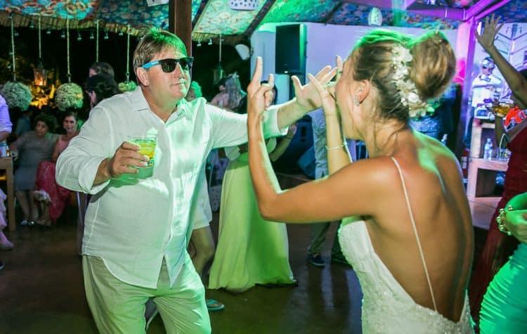 Camila-e-Lucca-Casamento-na-praia-Fernando-de-Noronha-Festa-Marcela-Montenegro-CaseMe-Revista-de-casamentoCB027412-750x475