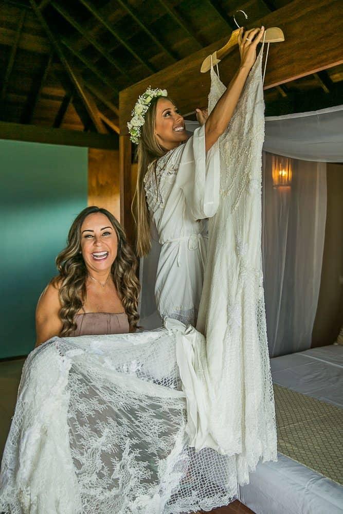 Camila-e-Lucca-Casamento-na-praia-Fernando-de-Noronha-Making-of-Marcela-Montenegro-CaseMe-Revista-de-casamentoCB025237