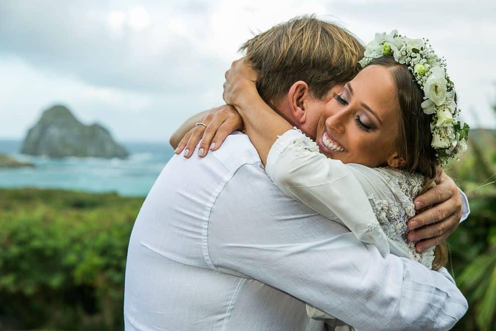 Camila-e-Lucca-Casamento-na-praia-Fernando-de-Noronha-Marcela-Montenegro-CaseMe-Revista-de-casamentoCB025225