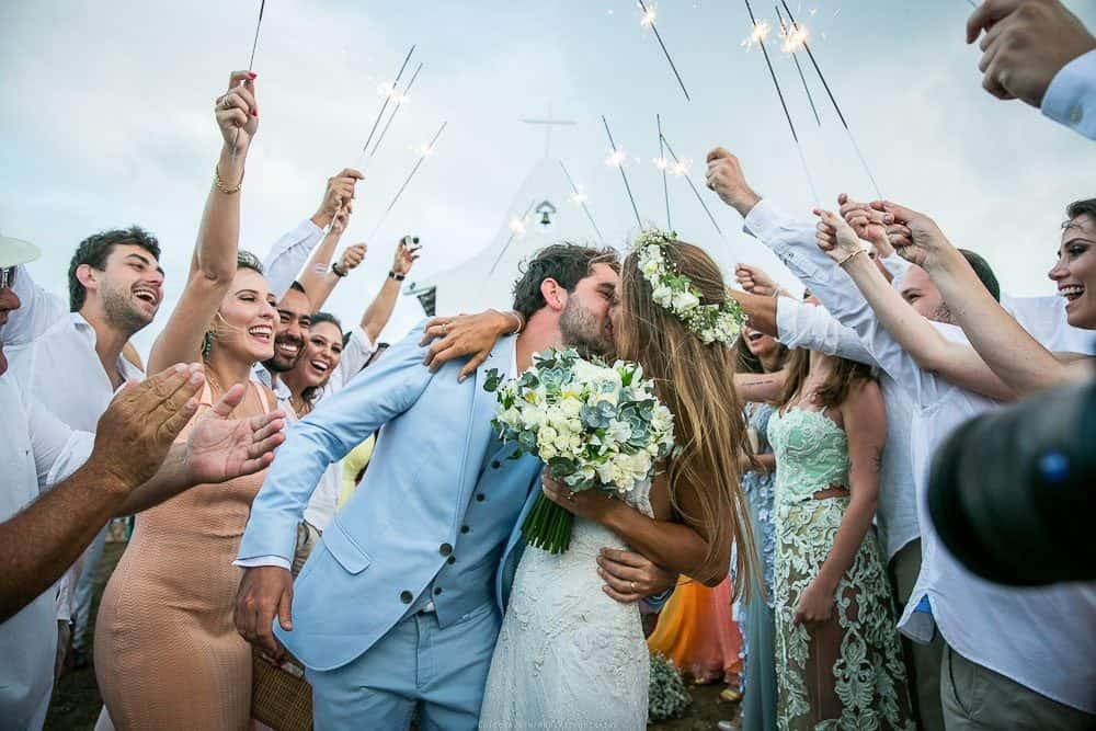 Camila-e-Lucca-Casamento-na-praia-Fernando-de-Noronha-Marcela-Montenegro-CaseMe-Revista-de-casamentoCB026033