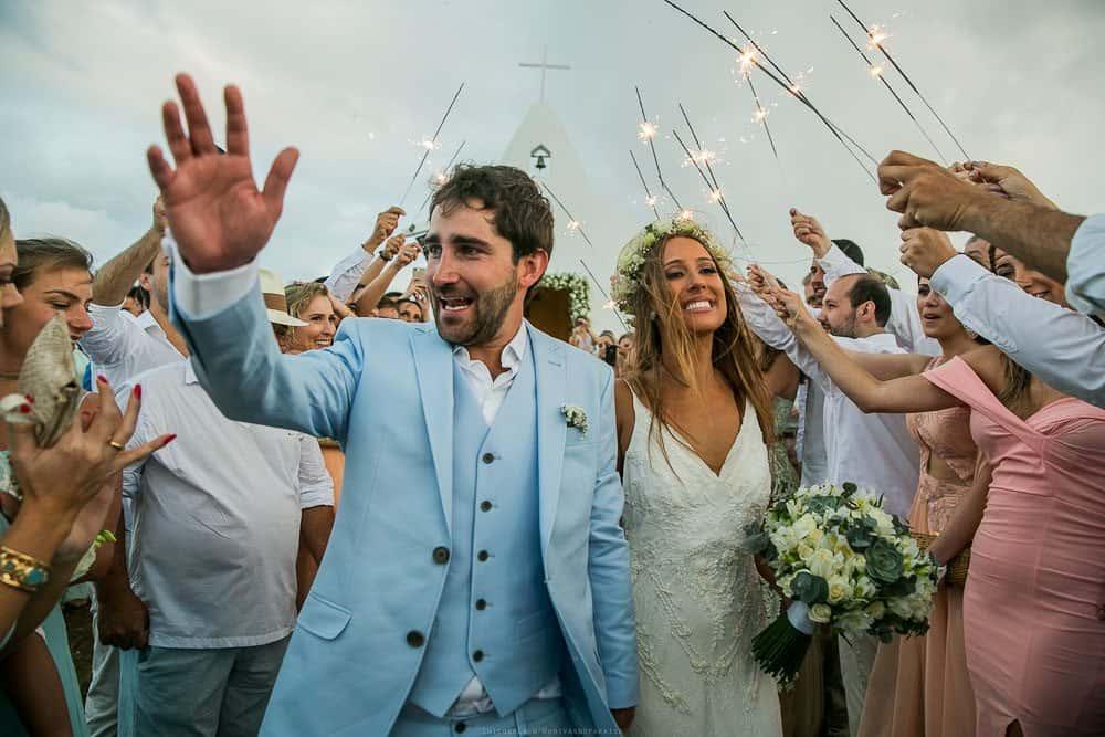 Camila-e-Lucca-Casamento-na-praia-Fernando-de-Noronha-Marcela-Montenegro-CaseMe-Revista-de-casamentoCB026066