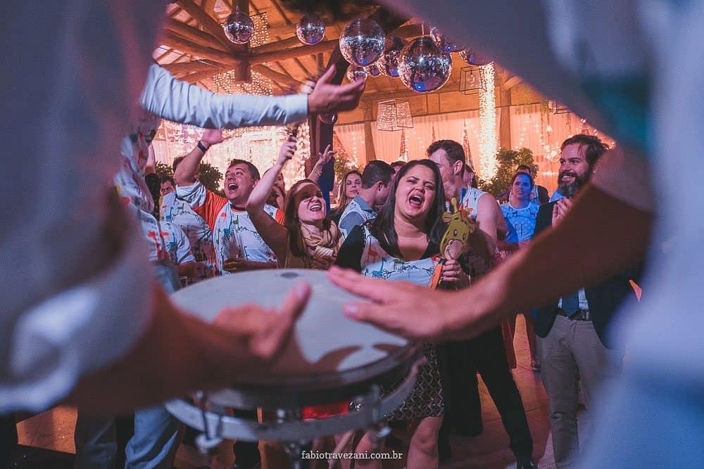 Casamento-na-praia-Fernanda-e-Fabiano-Fotografia-Fabio-Travezani-Ninho-da-Roxinha-CaseMecasamento-fernanda-fabiano2202