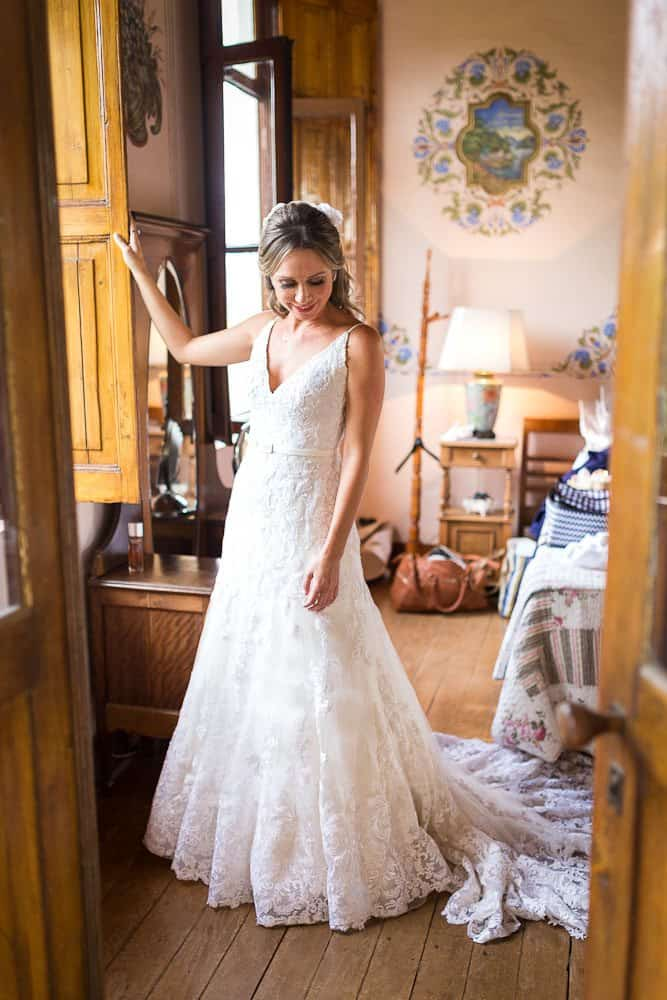 EstudioEuka063Casamento-de-dia-Fazenda-Dona-Catarina-Fotografia-Euka-Weddings-Jah-Eventos-Marcela-e-Rodolfo-Poses-noiva-Tais-Puntel-CaseMe-Revista-de-casamento