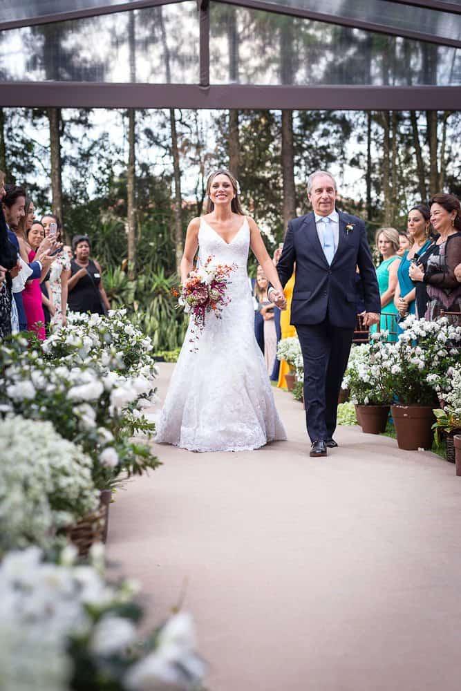 EstudioEuka090Casamento-de-dia-Cerimônia-Fazenda-Dona-Catarina-Fotografia-Euka-Weddings-Jah-Eventos-Marcela-e-Rodolfo-Tais-Puntel-CaseMe-Revista-de-casamento
