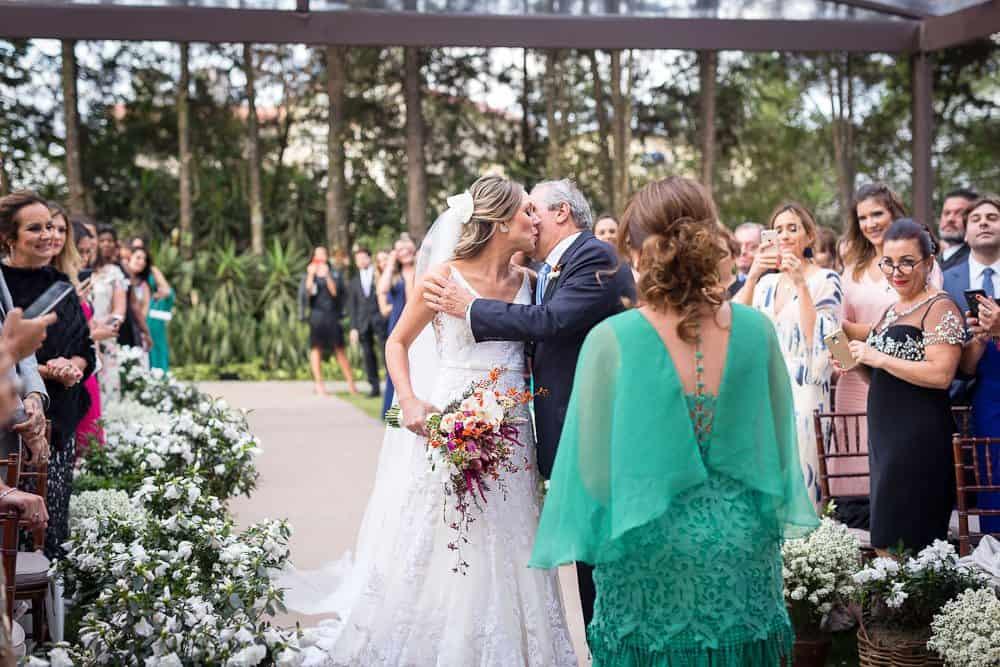 EstudioEuka094Casamento-de-dia-Cerimônia-Fazenda-Dona-Catarina-Fotografia-Euka-Weddings-Jah-Eventos-Marcela-e-Rodolfo-Tais-Puntel-CaseMe-Revista-de-casamento