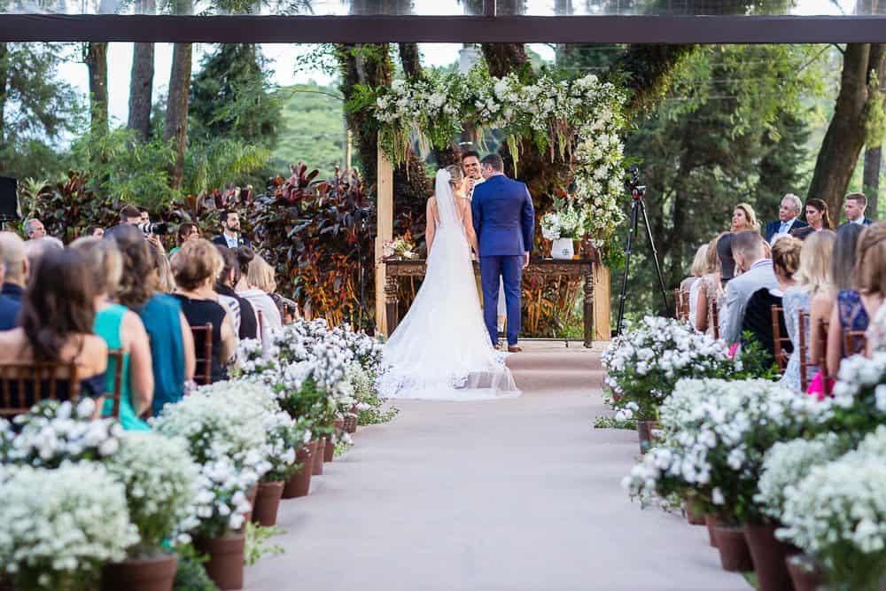 EstudioEuka114Casamento-de-dia-Cerimônia-Fazenda-Dona-Catarina-Fotografia-Euka-Weddings-Jah-Eventos-Marcela-e-Rodolfo-Tais-Puntel-CaseMe-Revista-de-casamento