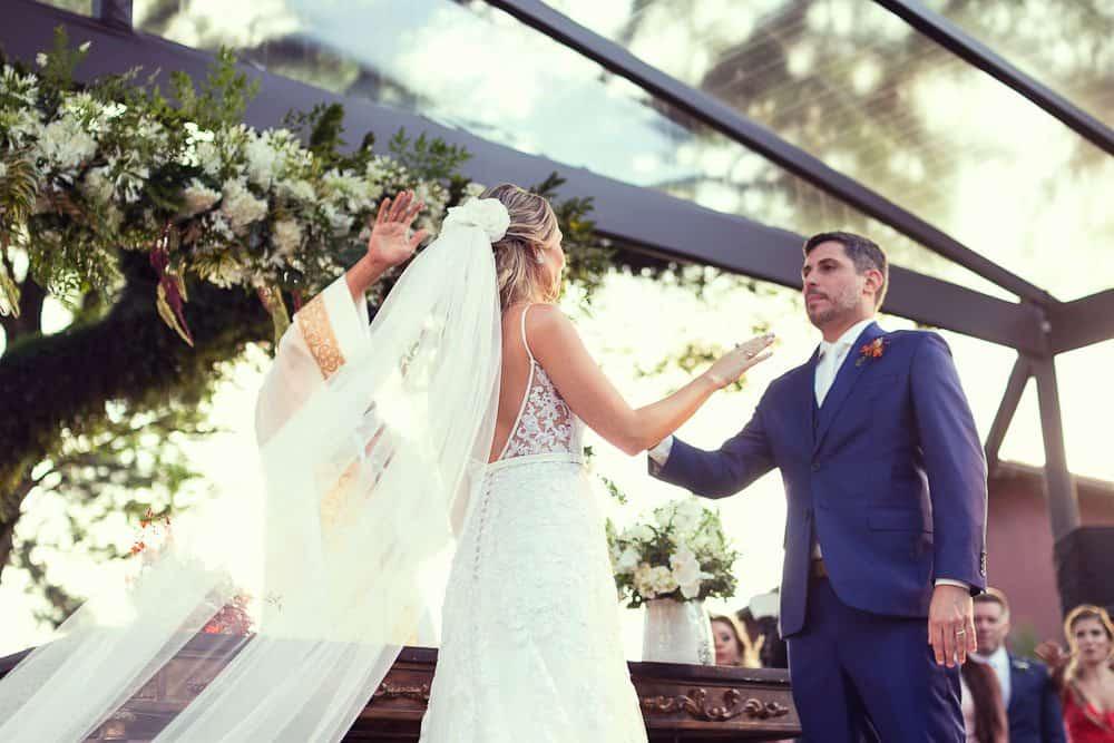 EstudioEuka143Casamento-de-dia-Cerimônia-Fazenda-Dona-Catarina-Fotografia-Euka-Weddings-Jah-Eventos-Marcela-e-Rodolfo-Tais-Puntel-CaseMe-Revista-de-casamento