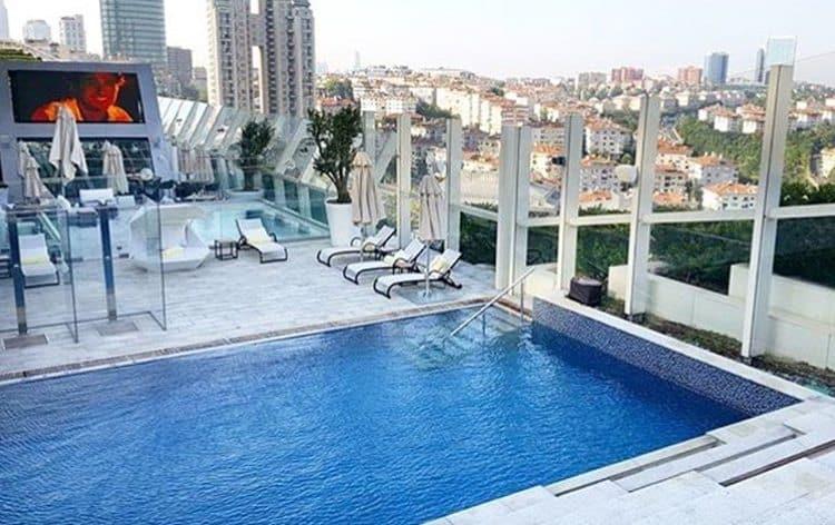 instambul-Hotel-raffles-istanbul-piscina