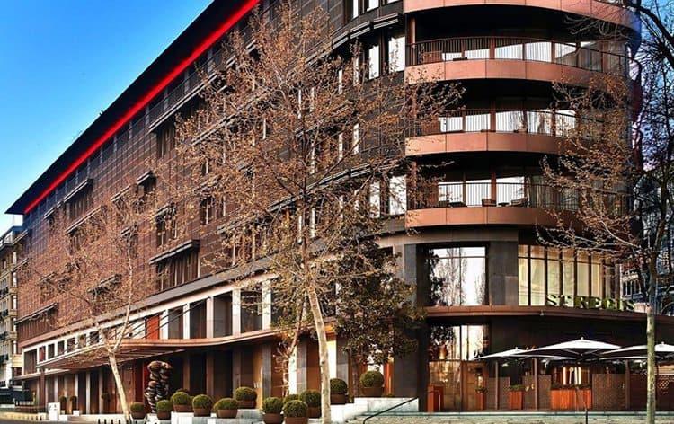instambul-Hotel-stregis-istanbul-entrada