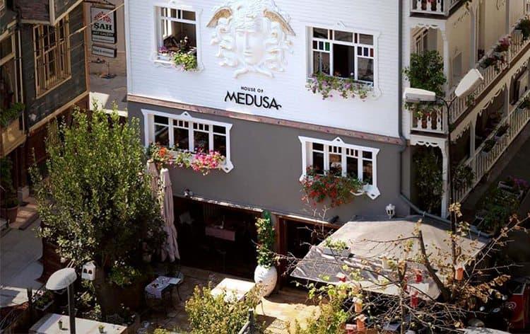 instambul-restaurante-medusa-restaurant-istanbul-entrada