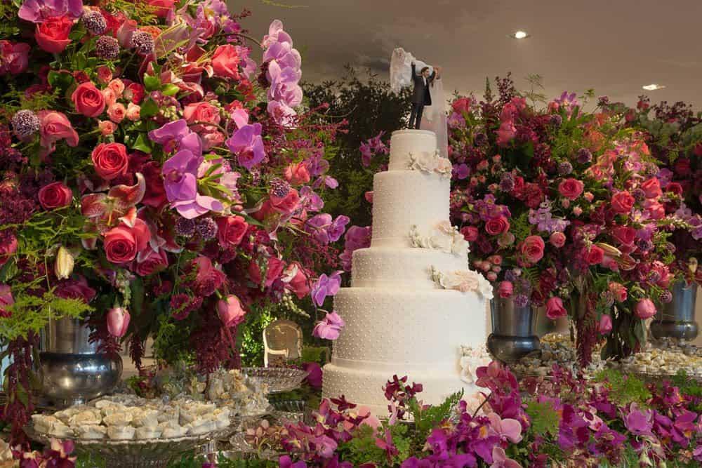 bolo-casamento-marina-e-willian-casamento-tradicional-festa-Hotel-Fasano-Igreja-Nossa-Senhora-do-Brasil-Marco-Costa-Photo-Marriages-Assessoria-São-Paulo-casamento-40