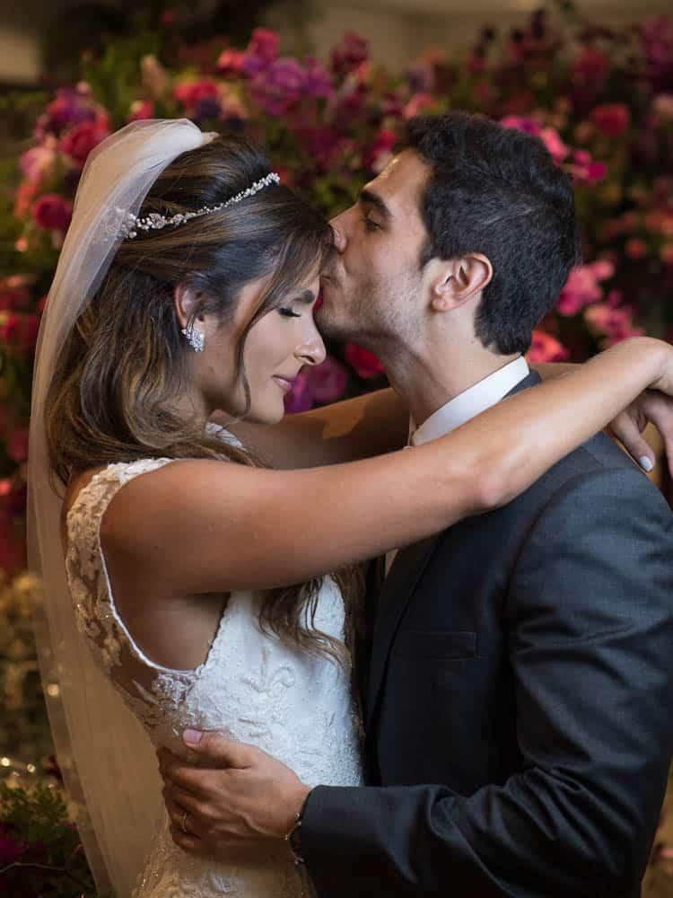 casal-casamento-marina-e-willian-casamento-tradicional-Hotel-Fasano-Igreja-Nossa-Senhora-do-Brasil-Marco-Costa-Photo-Marriages-Assessoria-noivos-São-Paulo-casamento-80