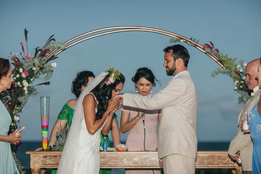 casamento-de-dia-casamento-na-Bahia-casamento-na-praia-cerimônia-Thais-e-Marcos-casamento-51
