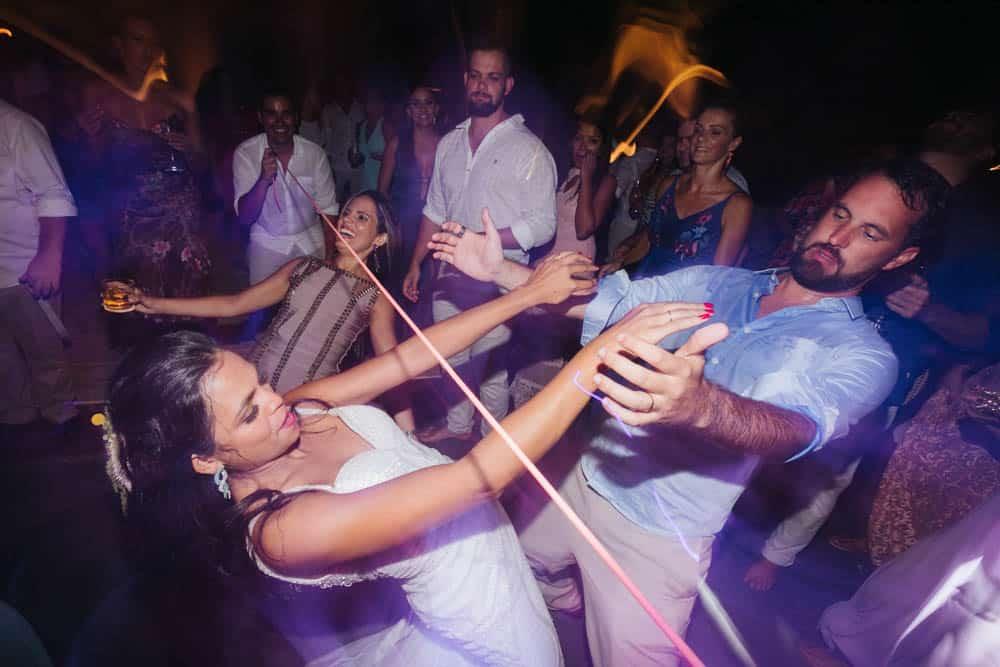 casamento-de-dia-casamento-na-Bahia-casamento-na-praia-festa-Thais-e-Marcos-casamento-95