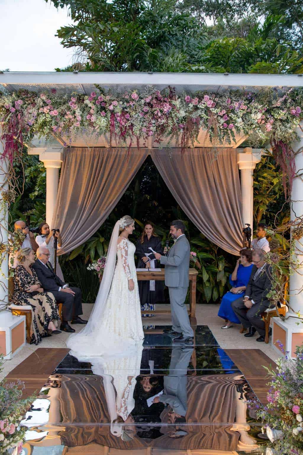 Andrea-Kapps-casamento-de-dia-casamento-na-serra-casamento-romântico-casamento-tradicional-Locanda-de-La-Mimosa-rosa-e-lilás-casamento-27