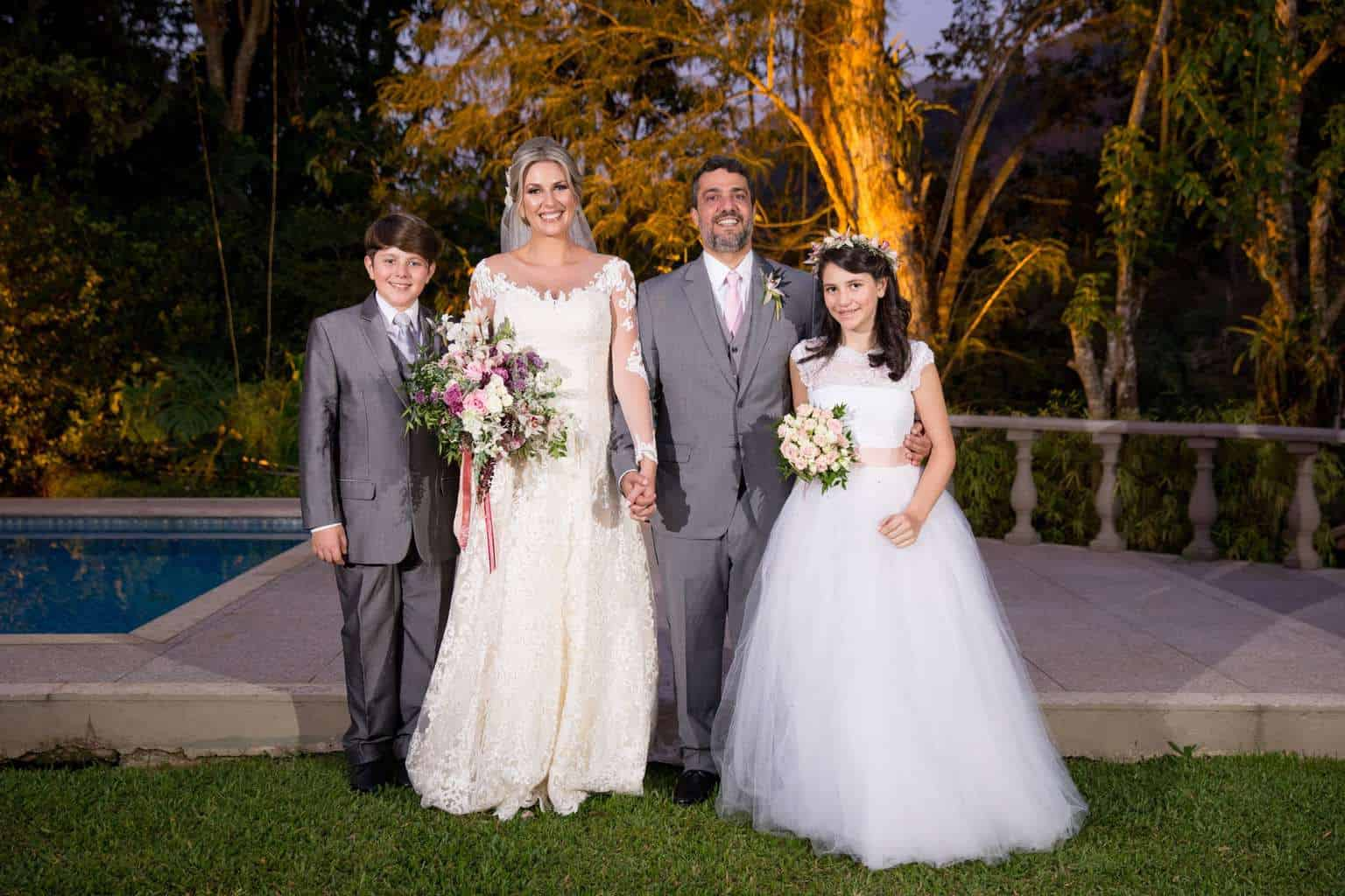 Andrea-Kapps-casamento-de-dia-casamento-na-serra-casamento-romântico-casamento-tradicional-daminhas-Locanda-de-La-Mimosa-pajem-rosa-e-lilás-casamento-37