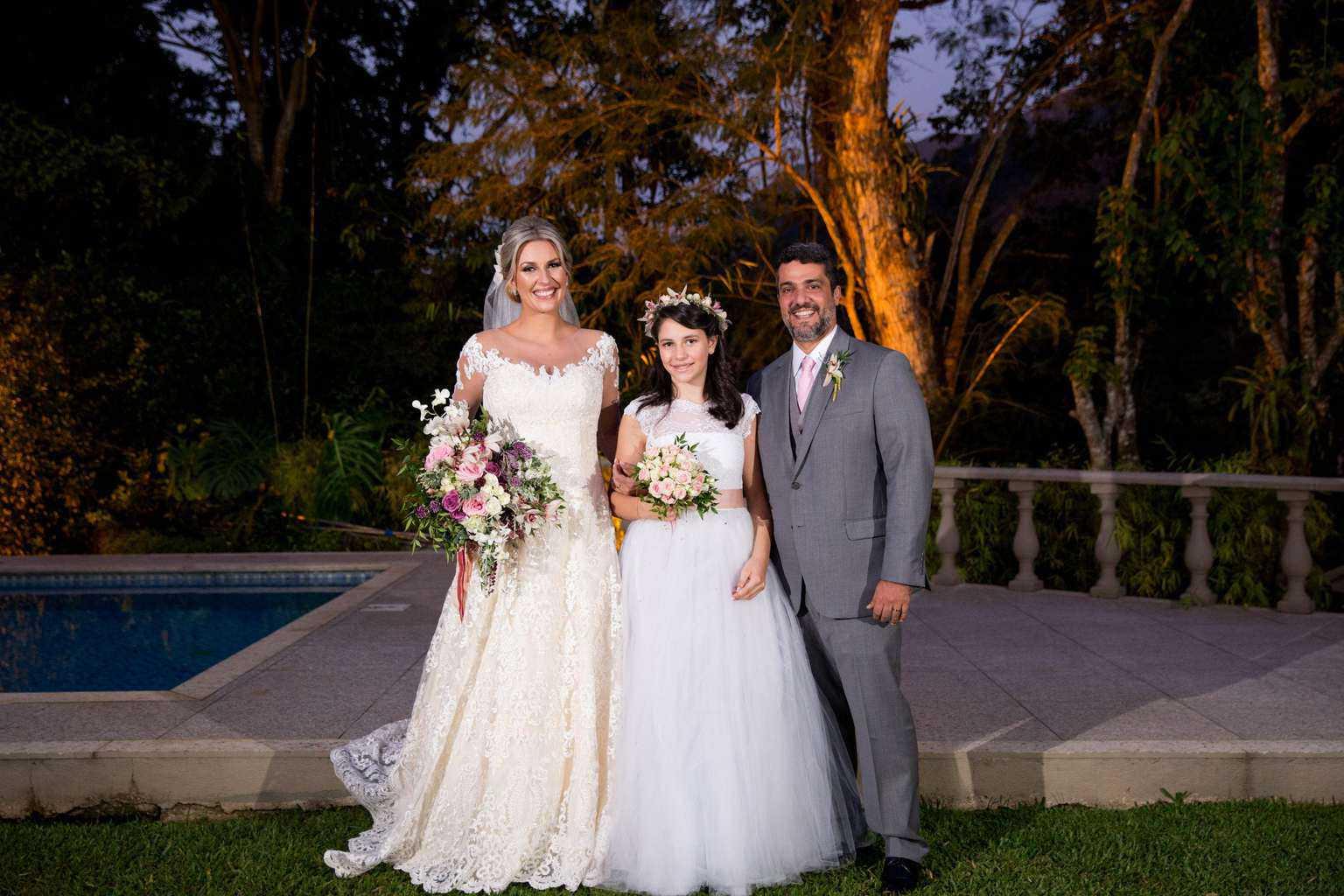 Andrea-Kapps-casamento-de-dia-casamento-na-serra-casamento-romântico-casamento-tradicional-daminhas-Locanda-de-La-Mimosa-pajem-rosa-e-lilás-casamento-38