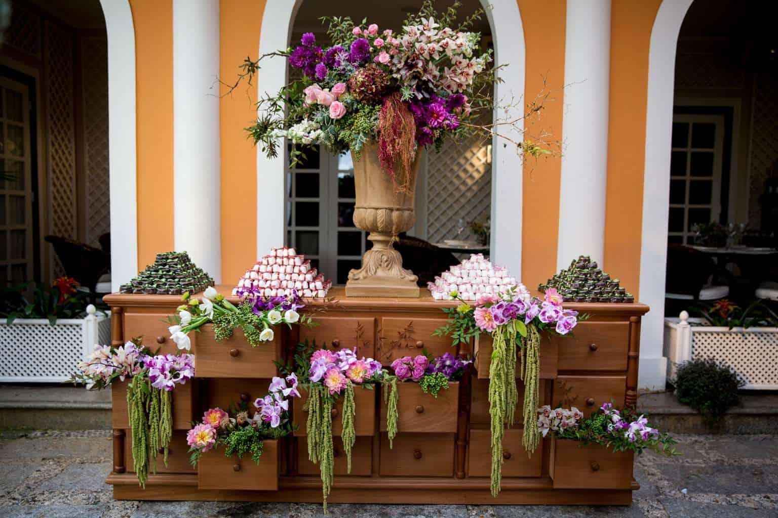 Andrea-Kapps-casamento-de-dia-casamento-na-serra-casamento-romântico-casamento-tradicional-decor-festa-decoração-Locanda-de-La-Mimosa-noiva-rosa-e-lilás-casamento-8