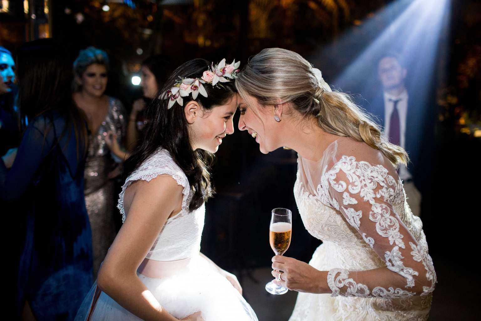Andrea-Kapps-casamento-de-dia-casamento-na-serra-casamento-romântico-casamento-tradicional-festa-Locanda-de-La-Mimosa-rosa-e-lilás-casamento-47