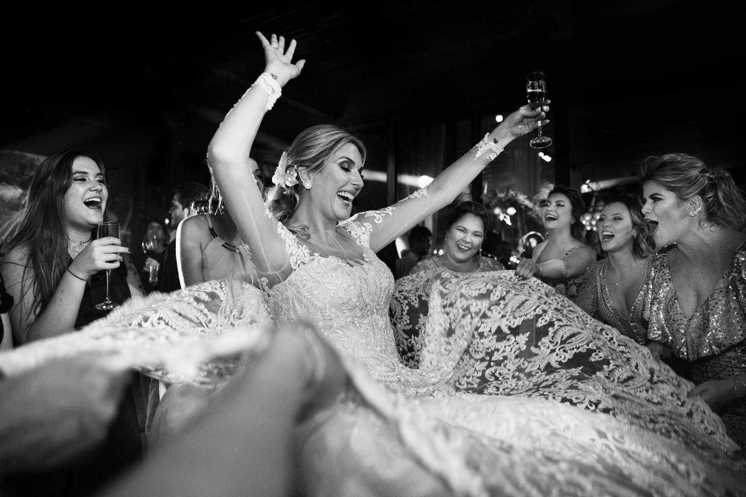 Andrea-Kapps-casamento-de-dia-casamento-na-serra-casamento-romântico-casamento-tradicional-festa-Locanda-de-La-Mimosa-rosa-e-lilás-casamento-48
