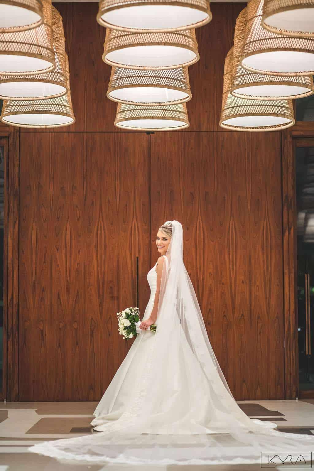 ana-carolina-e-bernardo-Anna-Carolina-Werneck-beleza-da-noiva-casamento-tradicional-Gavea-Golf-Club-Kyra-Mirsky-look-making-of-mini-wedding-noiva-verde-e-rosa-vestido-de-noiva-casamento-52
