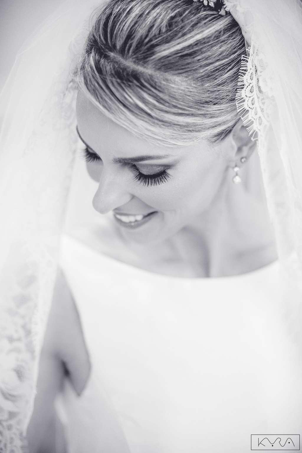 ana-carolina-e-bernardo-Anna-Carolina-Werneck-beleza-da-noiva-casamento-tradicional-Gavea-Golf-Club-Kyra-Mirsky-making-of-mini-wedding-noiva-verde-e-rosa-casamento-43