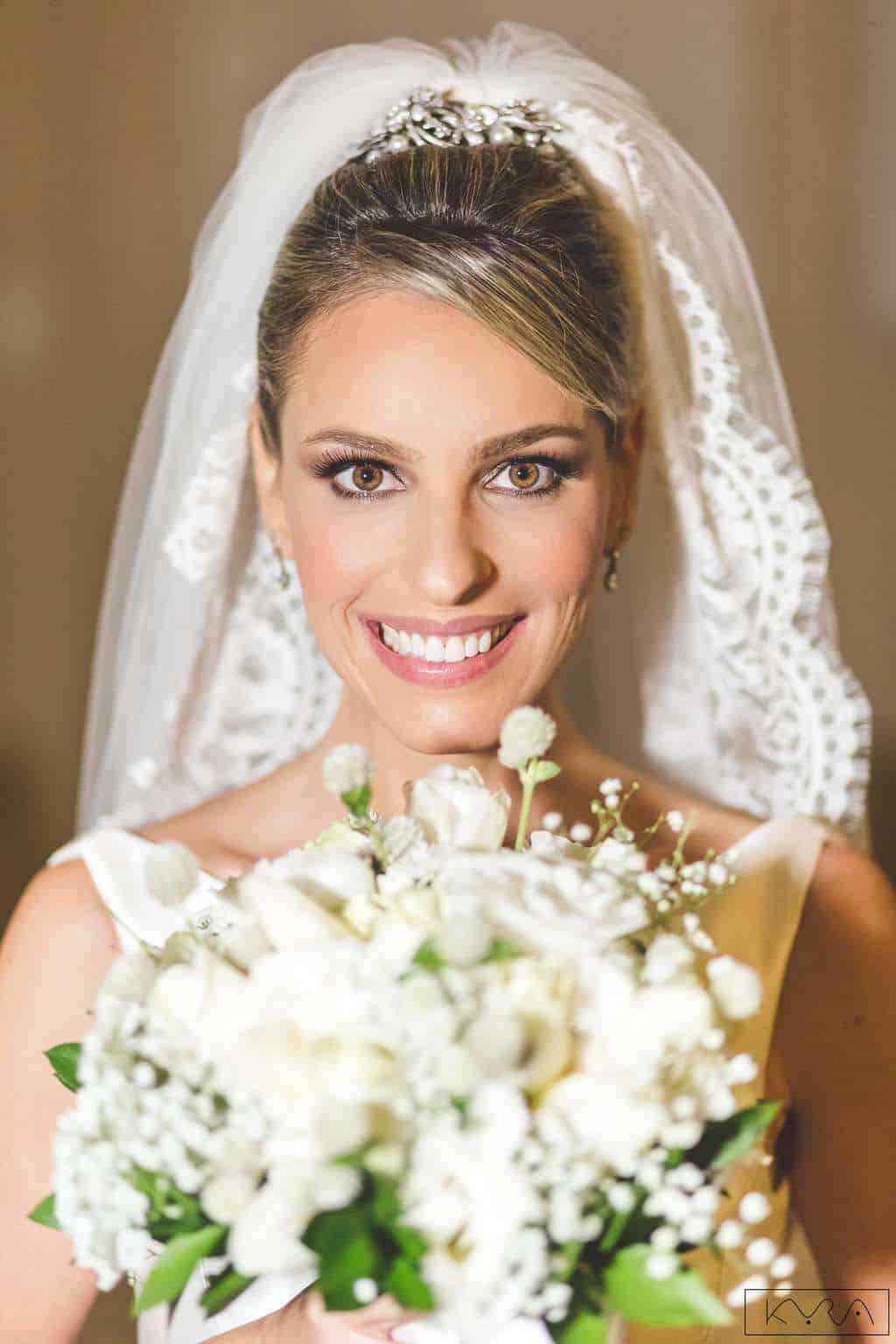 ana-carolina-e-bernardo-Anna-Carolina-Werneck-beleza-da-noiva-casamento-tradicional-Gavea-Golf-Club-Kyra-Mirsky-making-of-mini-wedding-noiva-verde-e-rosa-casamento-44-1