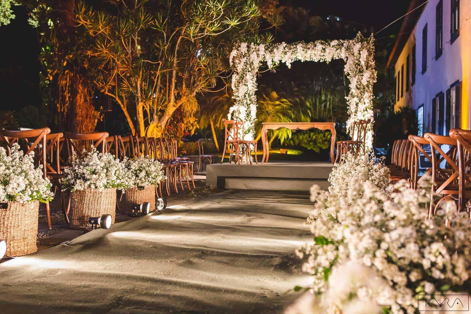 ana-carolina-e-bernardo-Anna-Carolina-Werneck-beleza-da-noiva-casamento-tradicional-Gavea-Golf-Club-Kyra-Mirsky-making-of-mini-wedding-verde-e-rosa-casamento-46