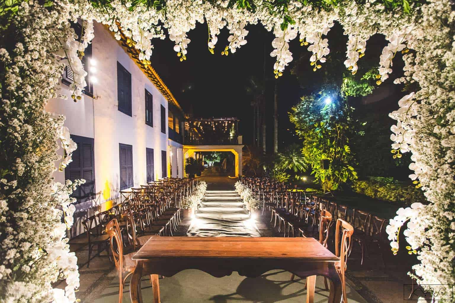 ana-carolina-e-bernardo-Anna-Carolina-Werneck-beleza-da-noiva-casamento-tradicional-cerimônia-Gavea-Golf-Club-Kyra-Mirsky-mini-wedding-verde-e-rosa-casamento-25