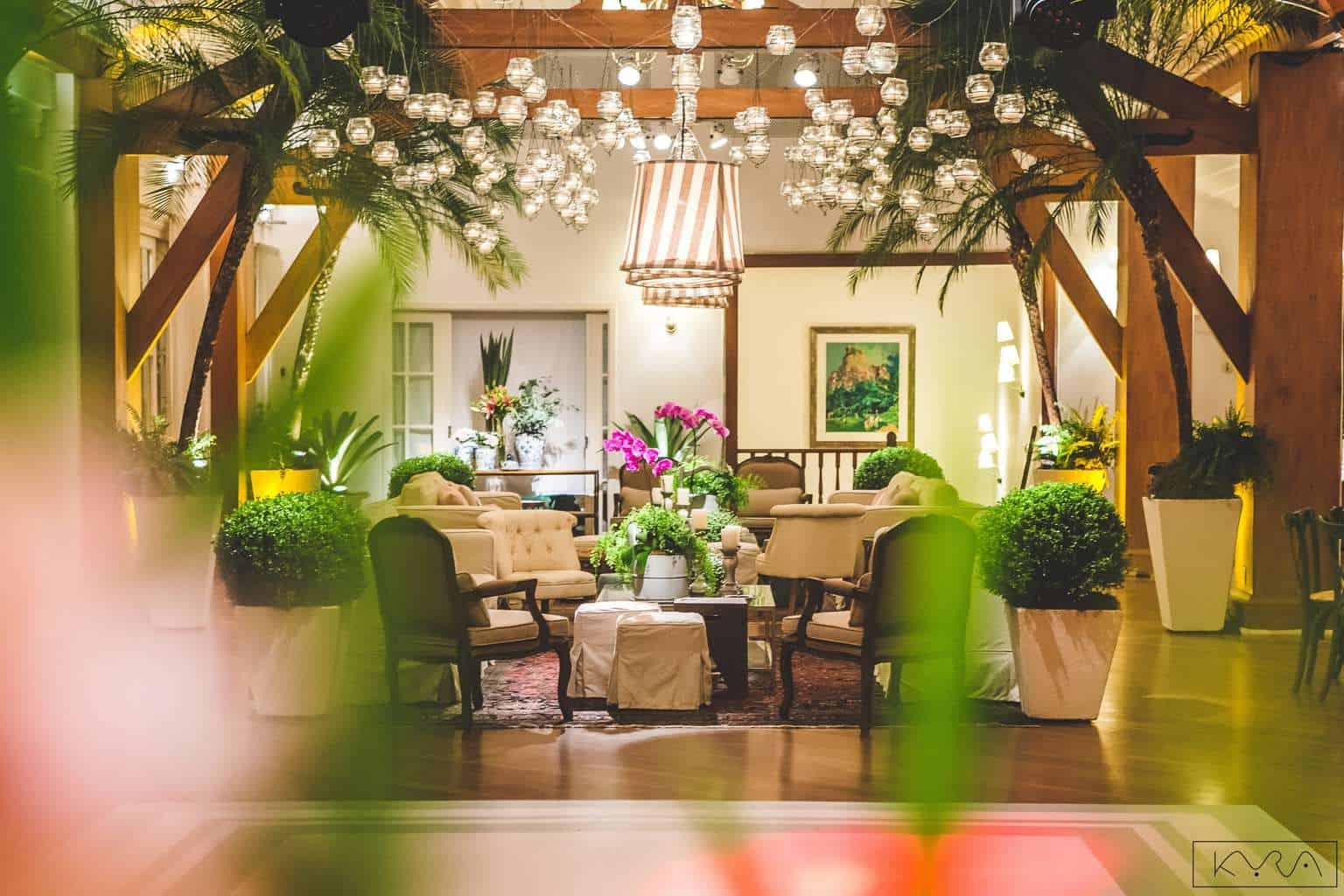 ana-carolina-e-bernardo-Anna-Carolina-Werneck-beleza-da-noiva-casamento-tradicional-festa-Gavea-Golf-Club-Kyra-Mirsky-making-of-mini-wedding-verde-e-rosa-casamento-24