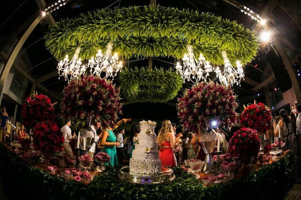 B-BLUE-BEACHOUSES-bahia-bolo-casamento-ao-ar-livre-casamento-julia-e-diogo-casamento-na-praia-fotografia-Bianca-Martinez-mesa-de-doces-casamento-58