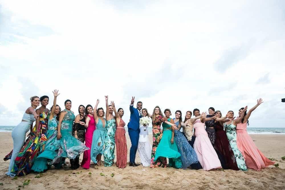 B-BLUE-BEACHOUSES-bahia-casamento-ao-ar-livre-casamento-julia-e-diogo-casamento-na-praia-fotografia-Bianca-Martinez-madrinhas-casamento-34