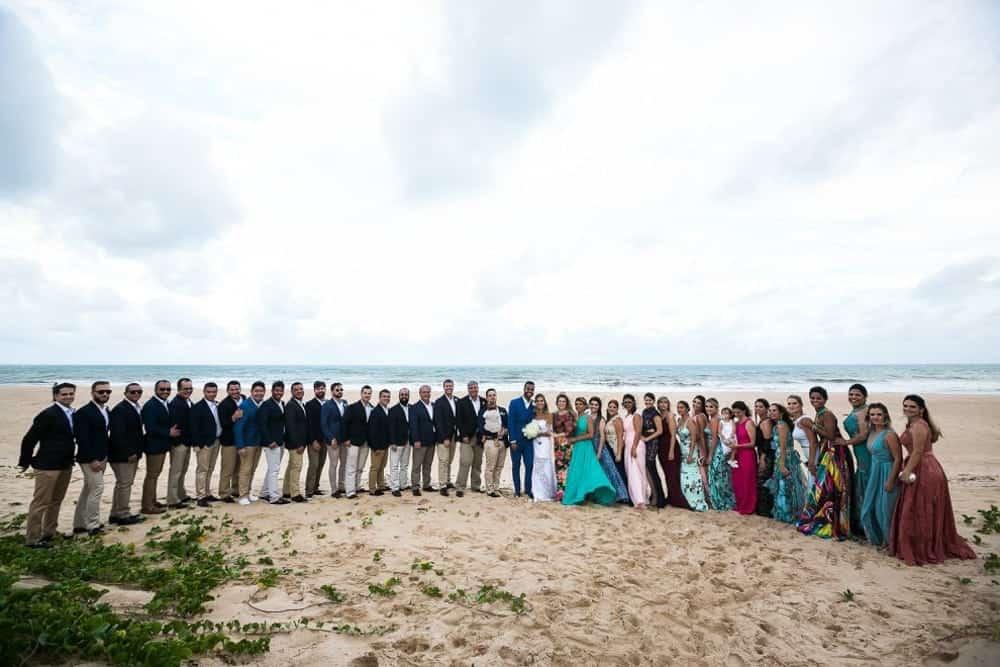 B-BLUE-BEACHOUSES-bahia-casamento-ao-ar-livre-casamento-julia-e-diogo-casamento-na-praia-fotografia-Bianca-Martinez-padrinhos-casamento-31