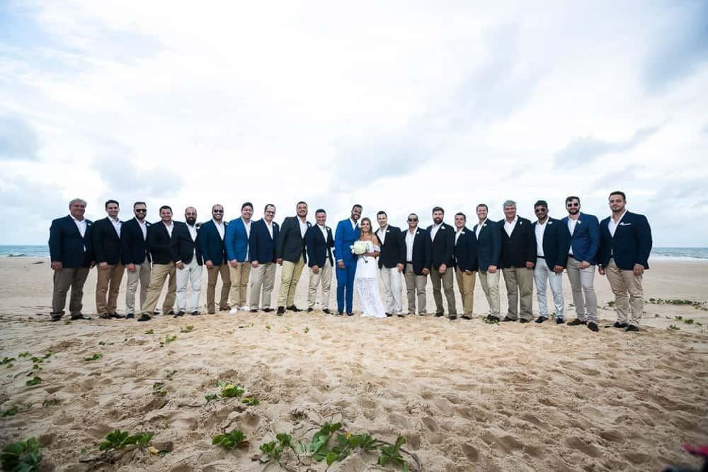 B-BLUE-BEACHOUSES-bahia-casamento-ao-ar-livre-casamento-julia-e-diogo-casamento-na-praia-fotografia-Bianca-Martinez-padrinhos-casamento-35