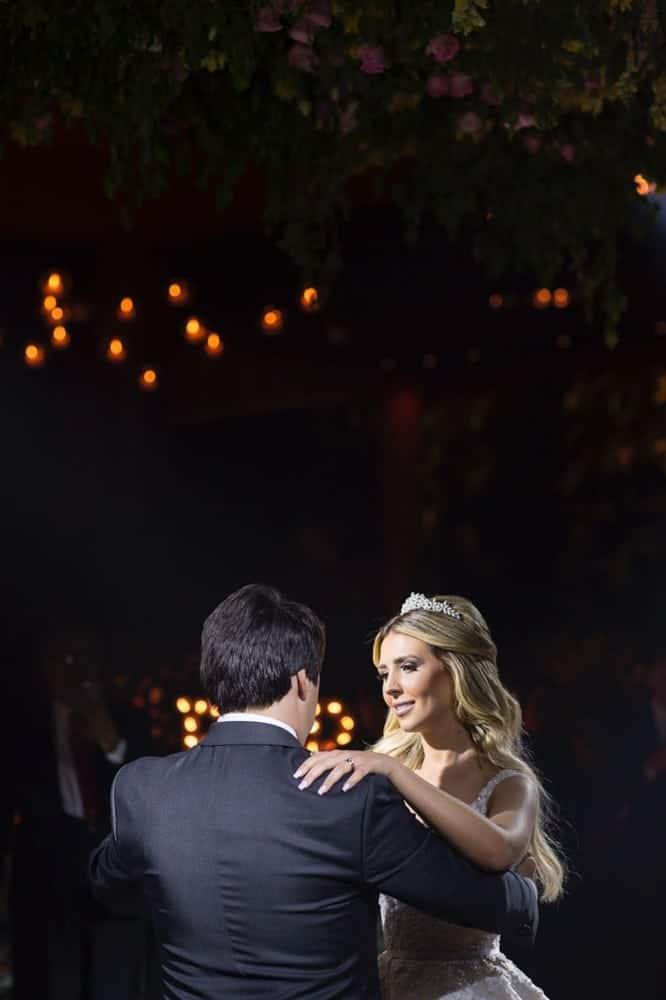 Casa-Lis-casamento-carolline-e-walmir-casamento-clássico-casamento-de-noite-casamento-tradicional-dança-dos-noivos-goiania-Prime-Foto-e-Cinema-casamento-12