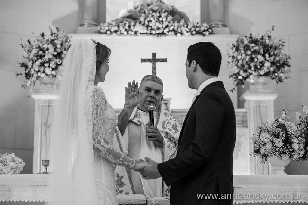 bençao-padre-casamento-tradicional-dante-e-dani-foto-anna-e-ricky
