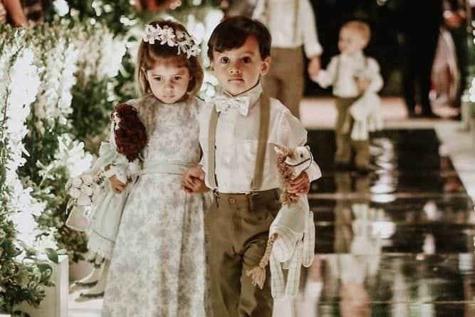 casamento-clássico-casamento-fernanda-e-jim-cerimônia-daminha-Espaço-Loy-fotografia-Georgeana-Godinho-anderson-Costa-fotografia-The-Dream-Studio-pajem-Ribeirão-Preto-casamento-39-e1532616583982