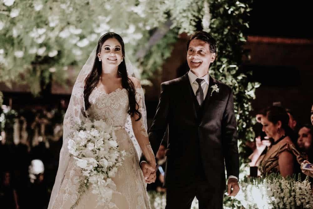 casamento-clássico-casamento-fernanda-e-jim-cerimônia-daminha-Espaço-Loy-fotografia-Georgeana-Godinho-anderson-Costa-fotografia-The-Dream-Studio-pajem-Ribeirão-Preto-casamento-43