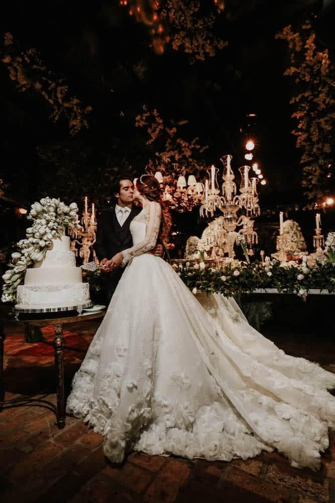 casamento-clássico-casamento-fernanda-e-jim-corte-do-bolo-Espaço-Loy-fotografia-Georgeana-Godinho-anderson-Costa-fotografia-The-Dream-Studio-Ribeirão-Preto-casamento-77