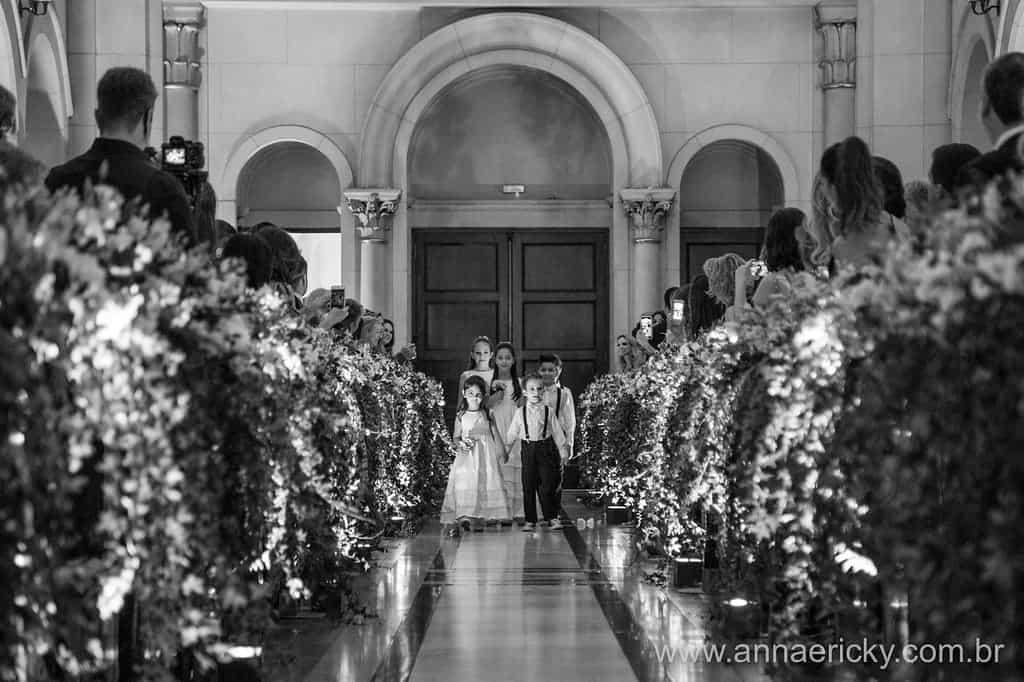 daminhas-e-pajens-casamento-tradicional-dani-e-dante-foto-anna-e-ricky