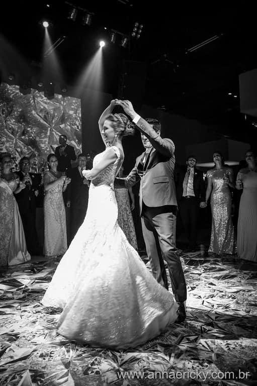 dança-dos-noivos-casamento-tradicional-dani-e-dante-anna-e-ricky-foto
