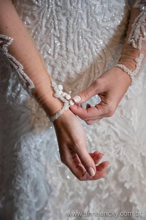 detalhe-vestido-dani-e-dante-casamento-tradicional-foto-anna-e-ricky