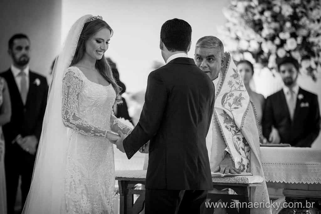 padre-casamento-tradicional-dani-e-dante-foto-anna-e-ricky
